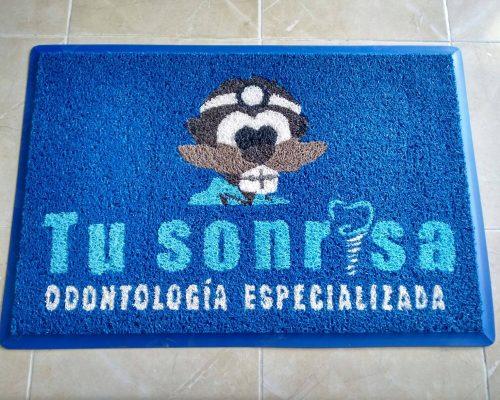 alfombra_con_logo_02